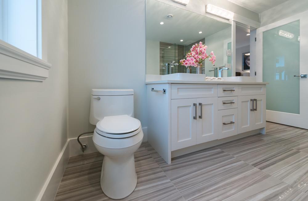 quels sols choisir pour une salle de bain r ussie. Black Bedroom Furniture Sets. Home Design Ideas